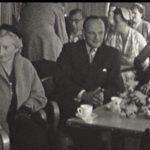 Foto 9. Links Mien van Kerckhoven-Kling, de man met bril is Karel Prior en ?