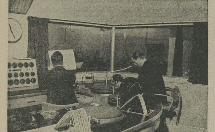 Een artikel van 06-11-1954. 2 van 7.