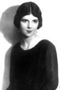 Thea Holmes
